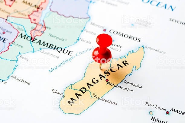 Facts: Population 25 mill, 2018 GDP $12,101 mill, 138 /196 rank. 2018 GDP per capital $461 Télécoms in Madagascar